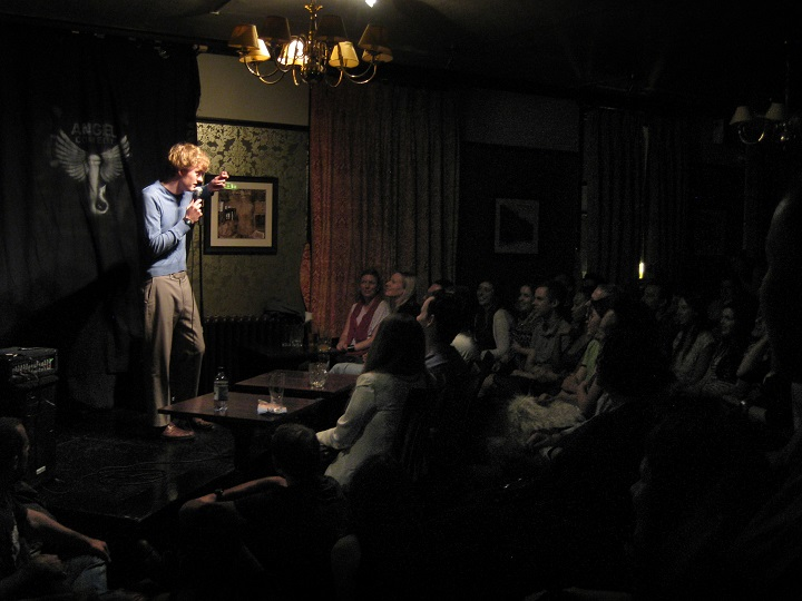 free comedy show at the Angel Comedy Club
