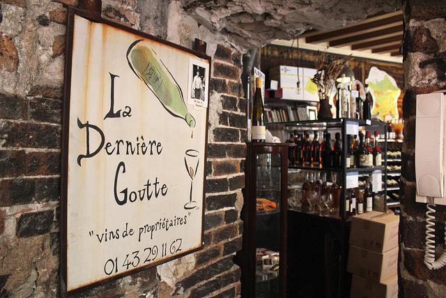 wine tasting at La Derniere Goutte